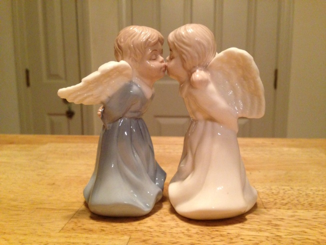 kissing angels